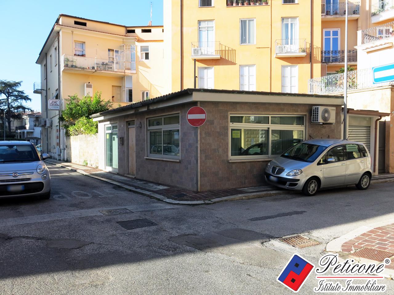 Appartamento in vendita a fondi cod f664 for Appartamento uso ufficio roma