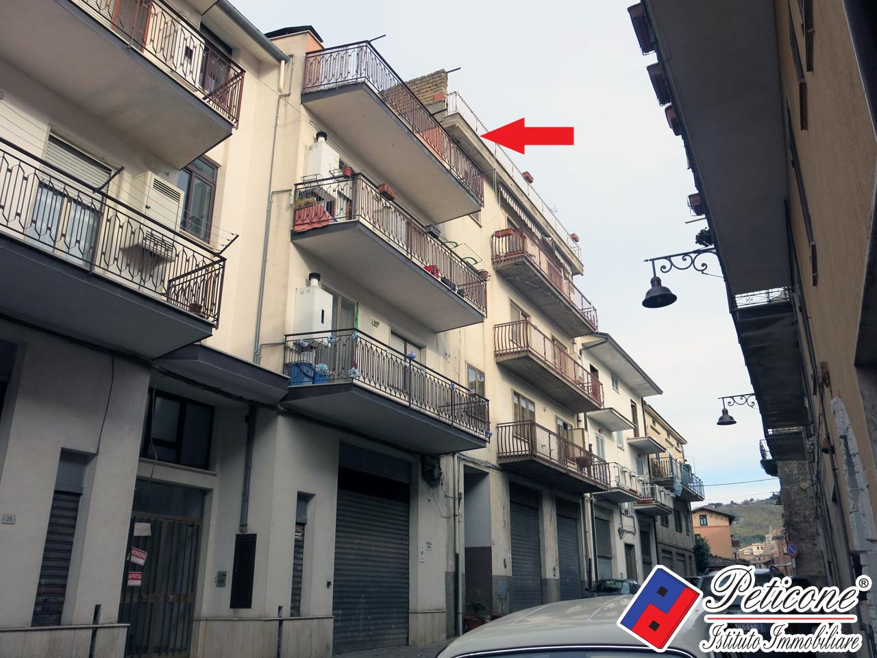 Appartamento in vendita a Lenola, 4 locali, zona Località: Centro, prezzo € 28.000 | PortaleAgenzieImmobiliari.it