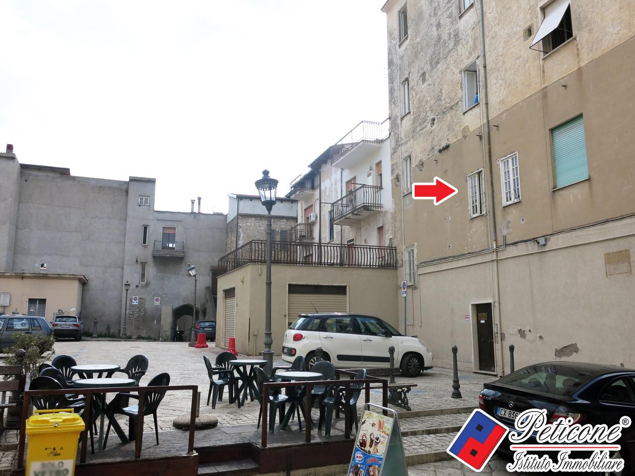 Appartamento in affitto a Fondi, 4 locali, zona Località: Centrostorico, prezzo € 500 | PortaleAgenzieImmobiliari.it