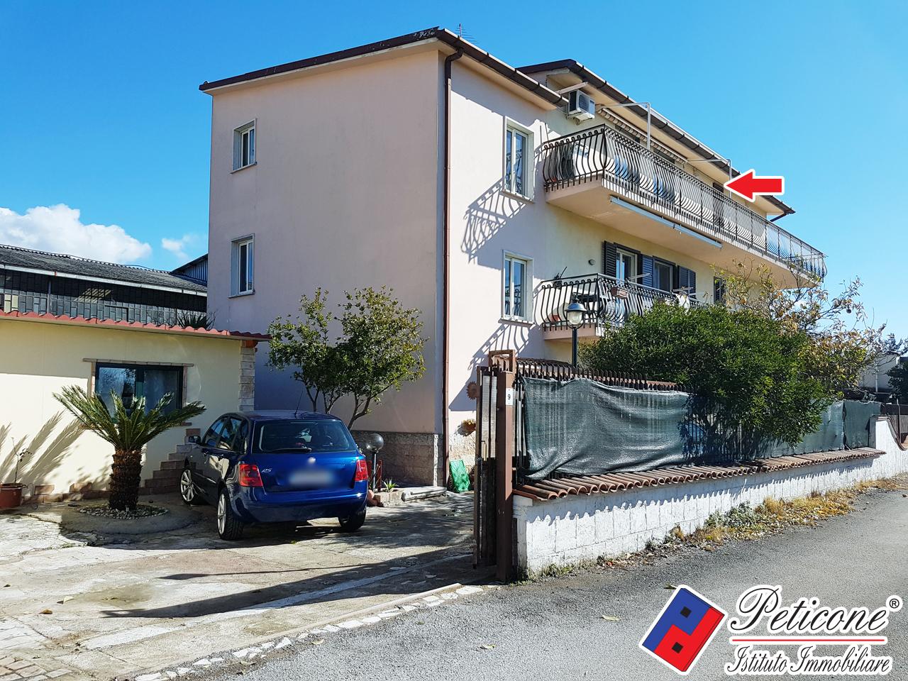 affitto appartamento fondi centro  500 euro  5 locali  100 mq