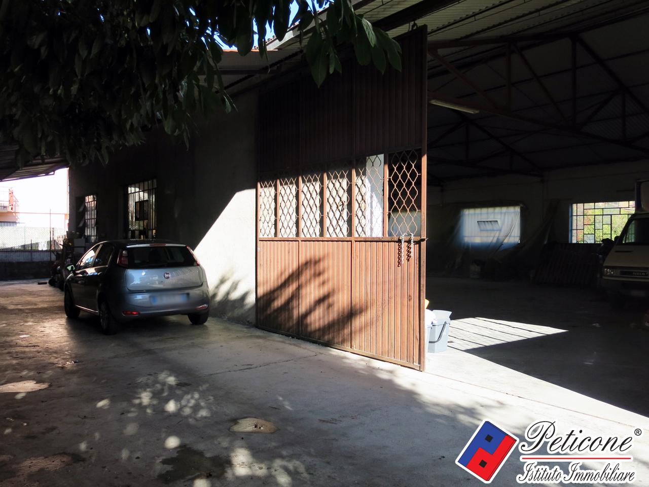 Capannone in vendita a Fondi, 9999 locali, zona Località: Semicentro, prezzo € 200.000 | CambioCasa.it