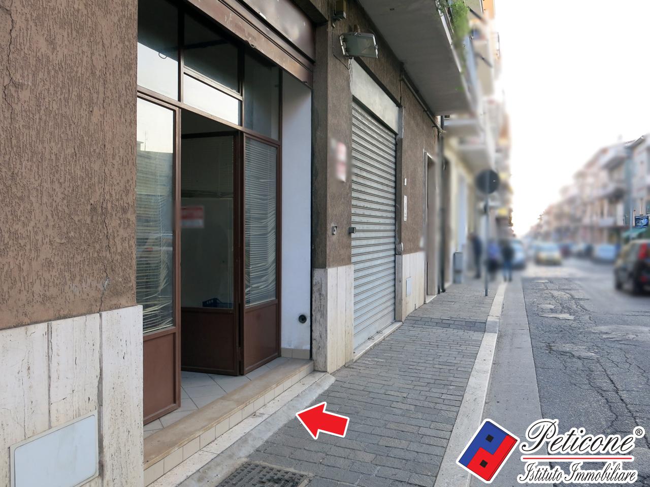 Negozio / Locale in vendita a Fondi, 9999 locali, zona Località: Carrera, prezzo € 160.000 | CambioCasa.it
