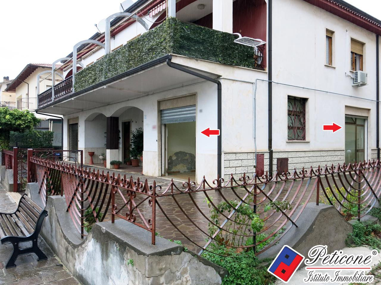 Negozio / Locale in affitto a Fondi, 9999 locali, zona Località: Semicentro, prezzo € 800   CambioCasa.it