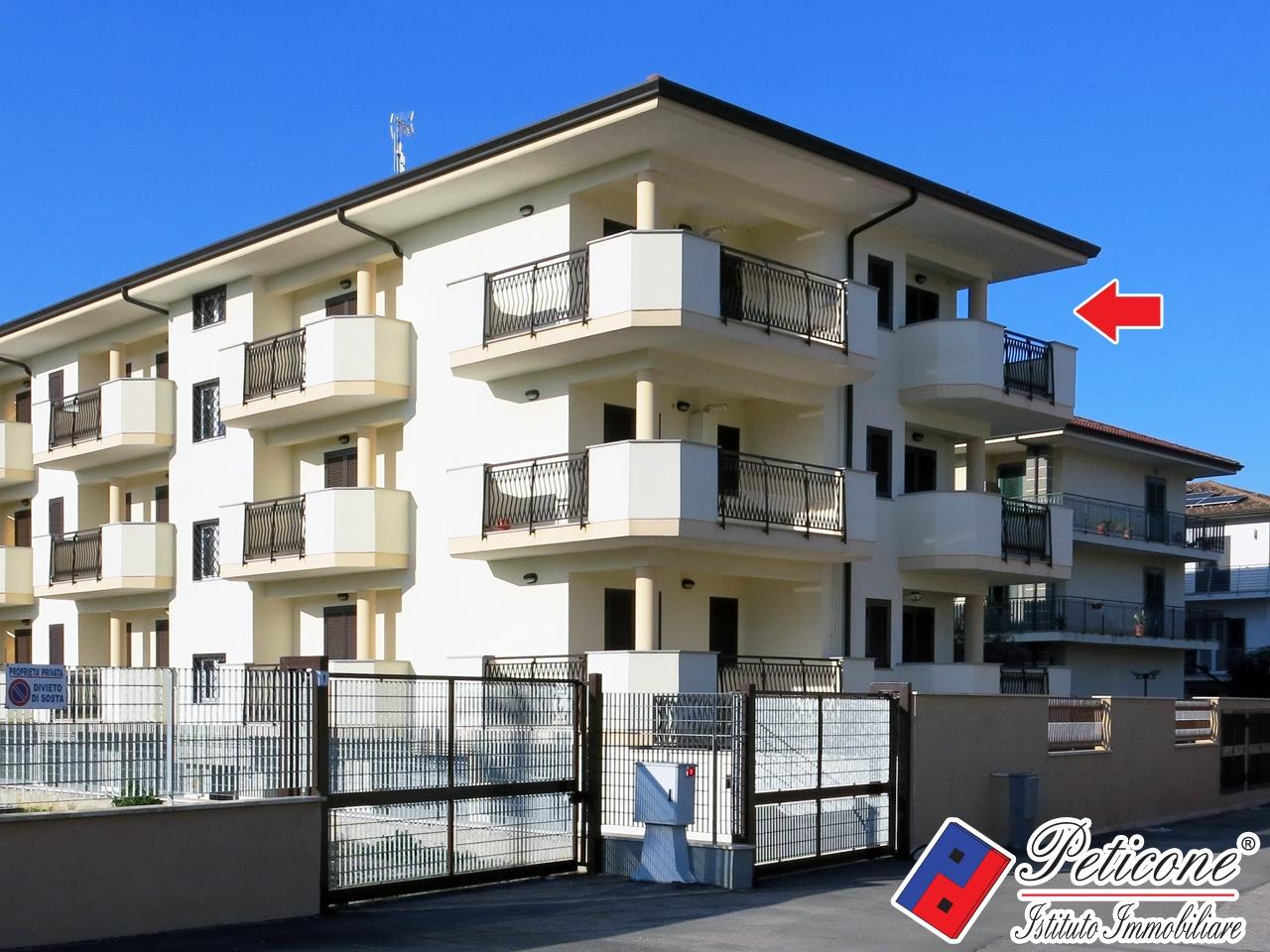 Appartamento in vendita a fondi cod f570 int a6 for Garage con soffitta