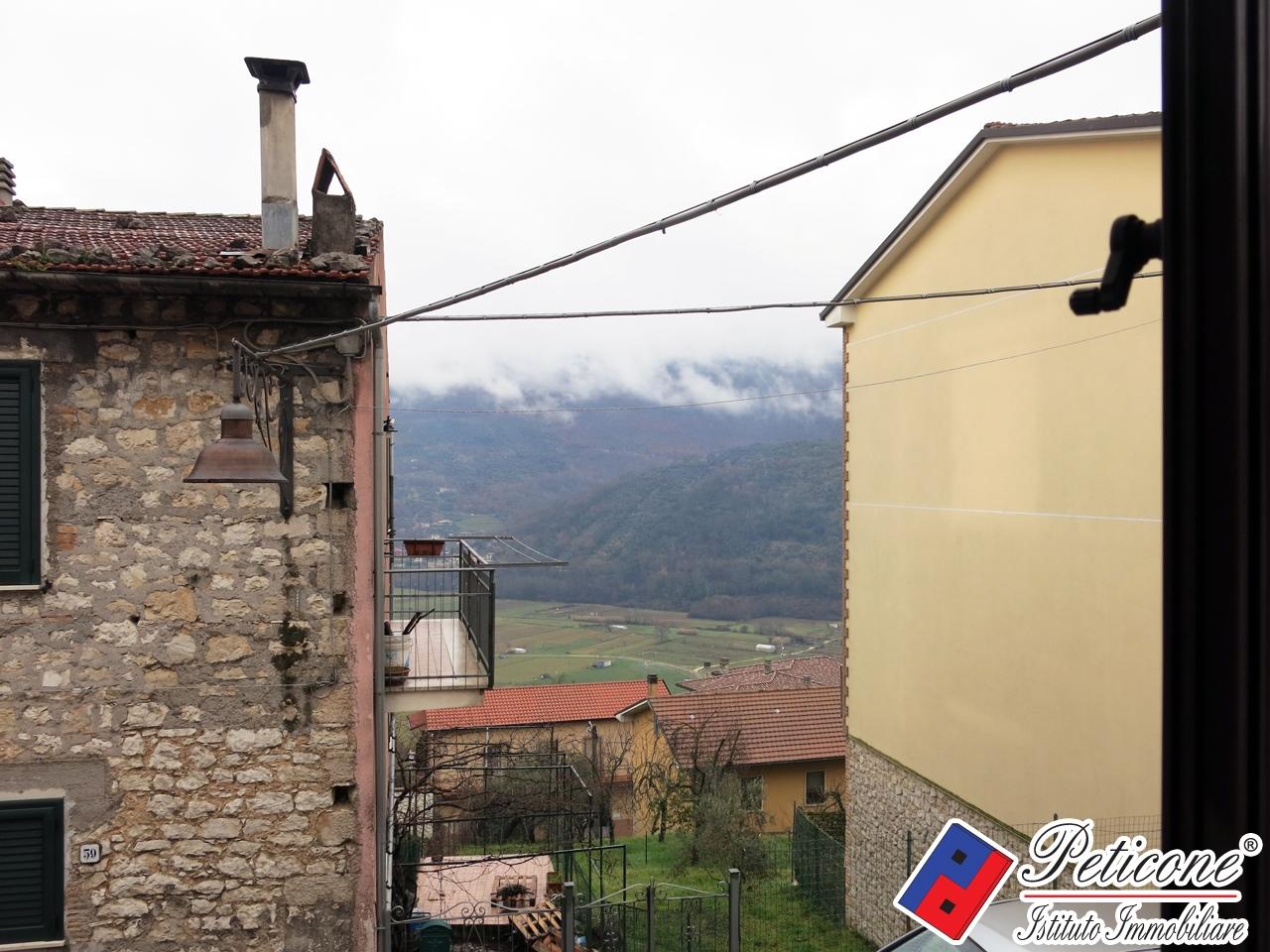 Appartamento in vendita a Lenola, 3 locali, zona Località: Centro, prezzo € 50.000 | PortaleAgenzieImmobiliari.it