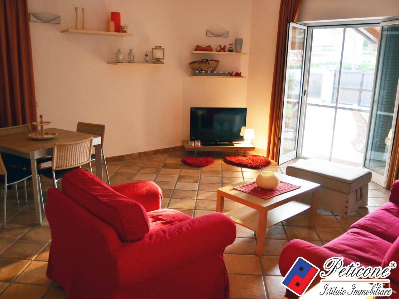 Villa in affitto a Fondi, 5 locali, zona Località: RioClaro, Trattative riservate | PortaleAgenzieImmobiliari.it