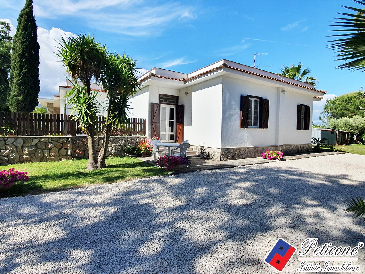 Villa in affitto a Fondi, 3 locali, zona Località: SaltodiFondi, Trattative riservate | PortaleAgenzieImmobiliari.it