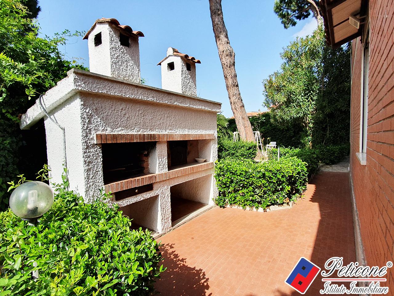 Villa in affitto a Fondi, 7 locali, zona Località: MarinadiFondi, Trattative riservate | PortaleAgenzieImmobiliari.it