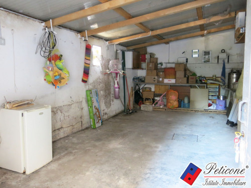 Box / Garage in vendita a Fondi, 1 locali, zona Località: Centro, prezzo € 27.000   CambioCasa.it
