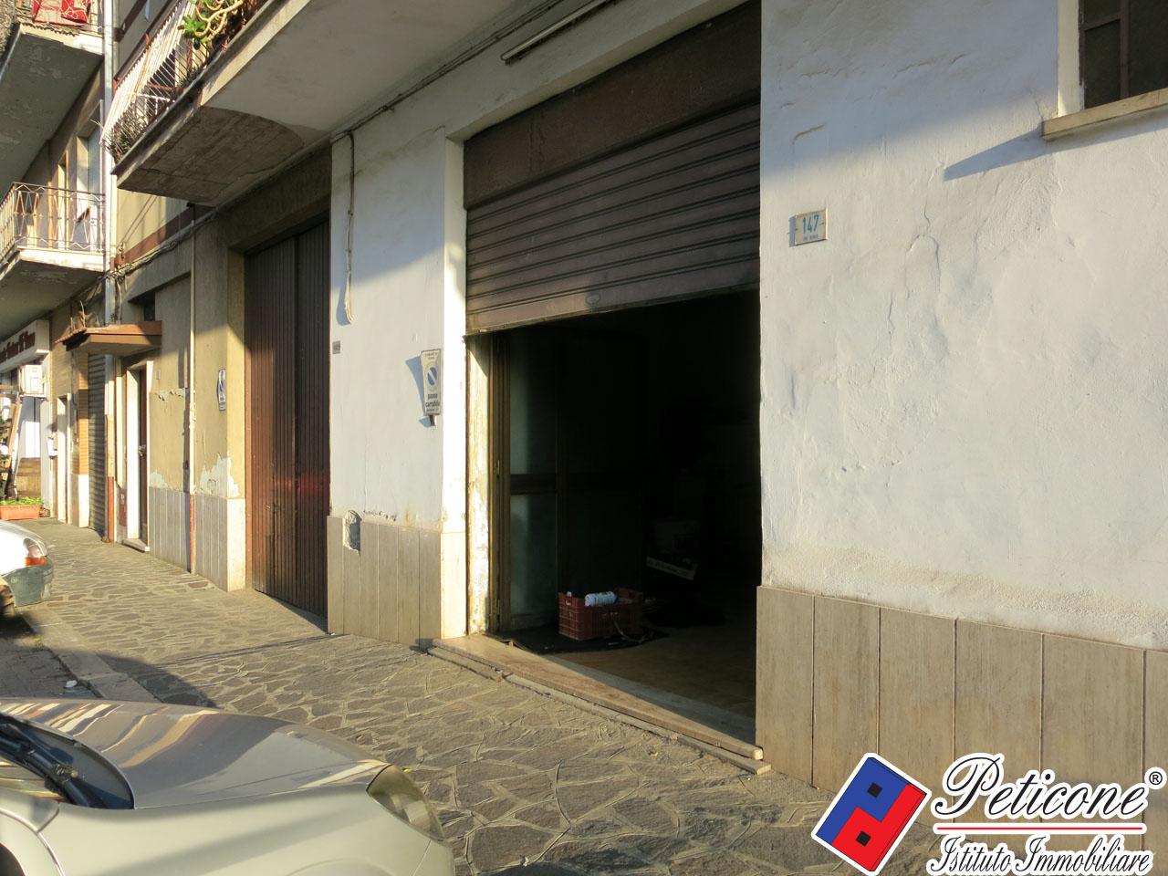 Negozio / Locale in affitto a Fondi, 9999 locali, zona Località: Centro, prezzo € 900   CambioCasa.it