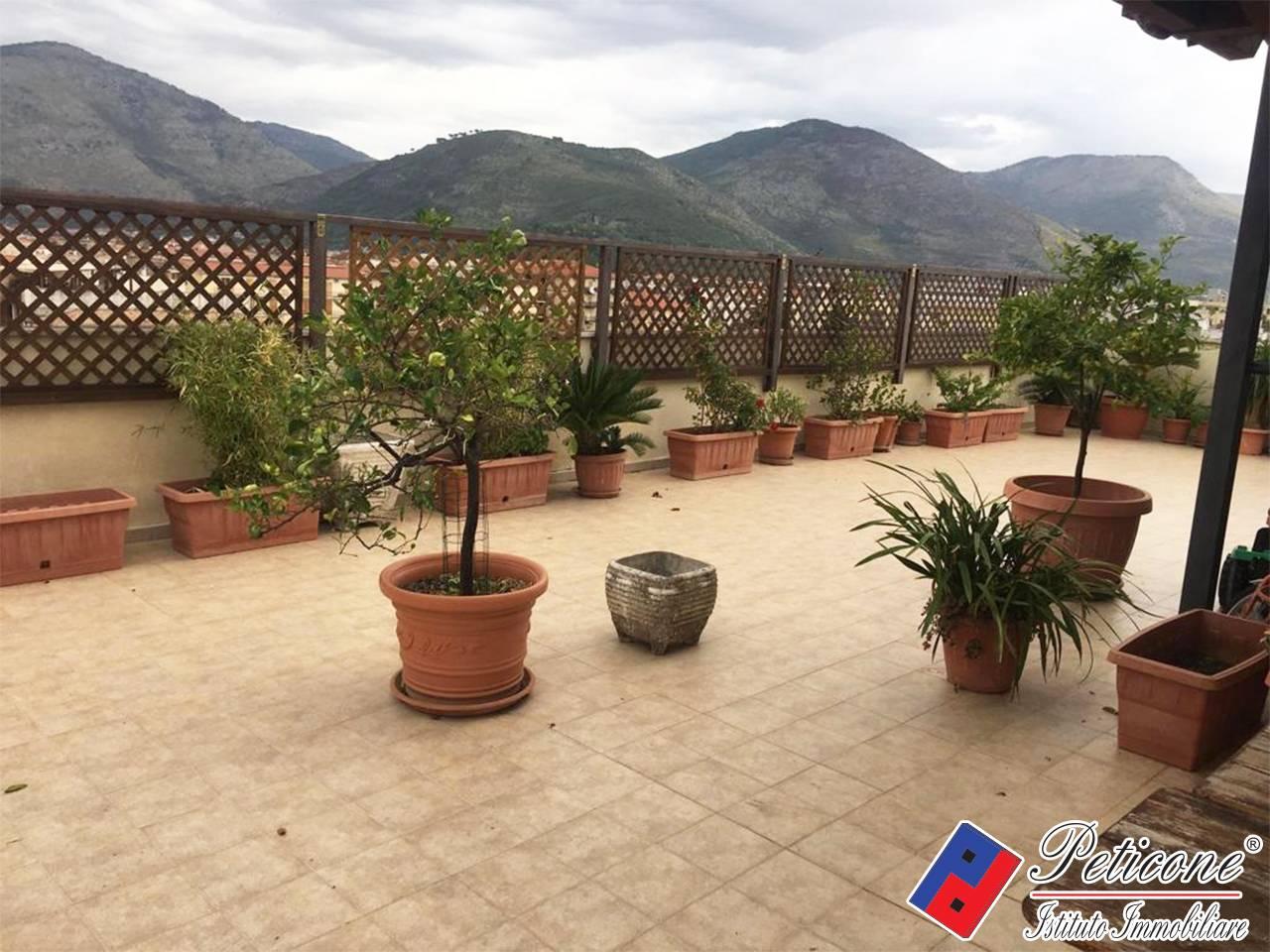 Appartamento in vendita a Fondi, 4 locali, zona Località: Semicentro, prezzo € 240.000   CambioCasa.it