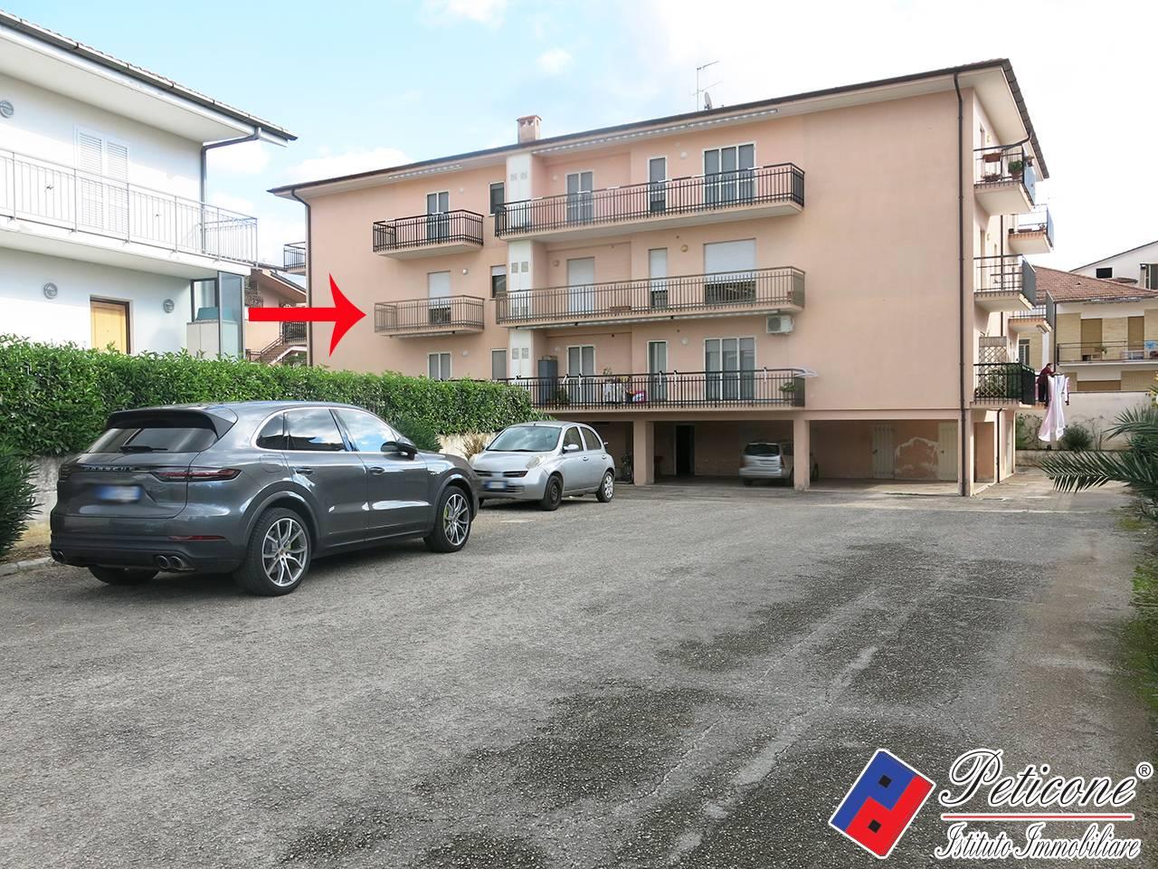 Appartamento in vendita a Fondi, 4 locali, zona Località: Centro, prezzo € 160.000   CambioCasa.it