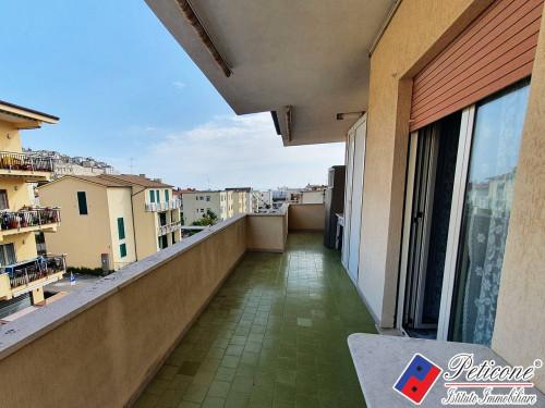 Appartamento con TERRAZZO vista MARE a 200 mt dal MARE