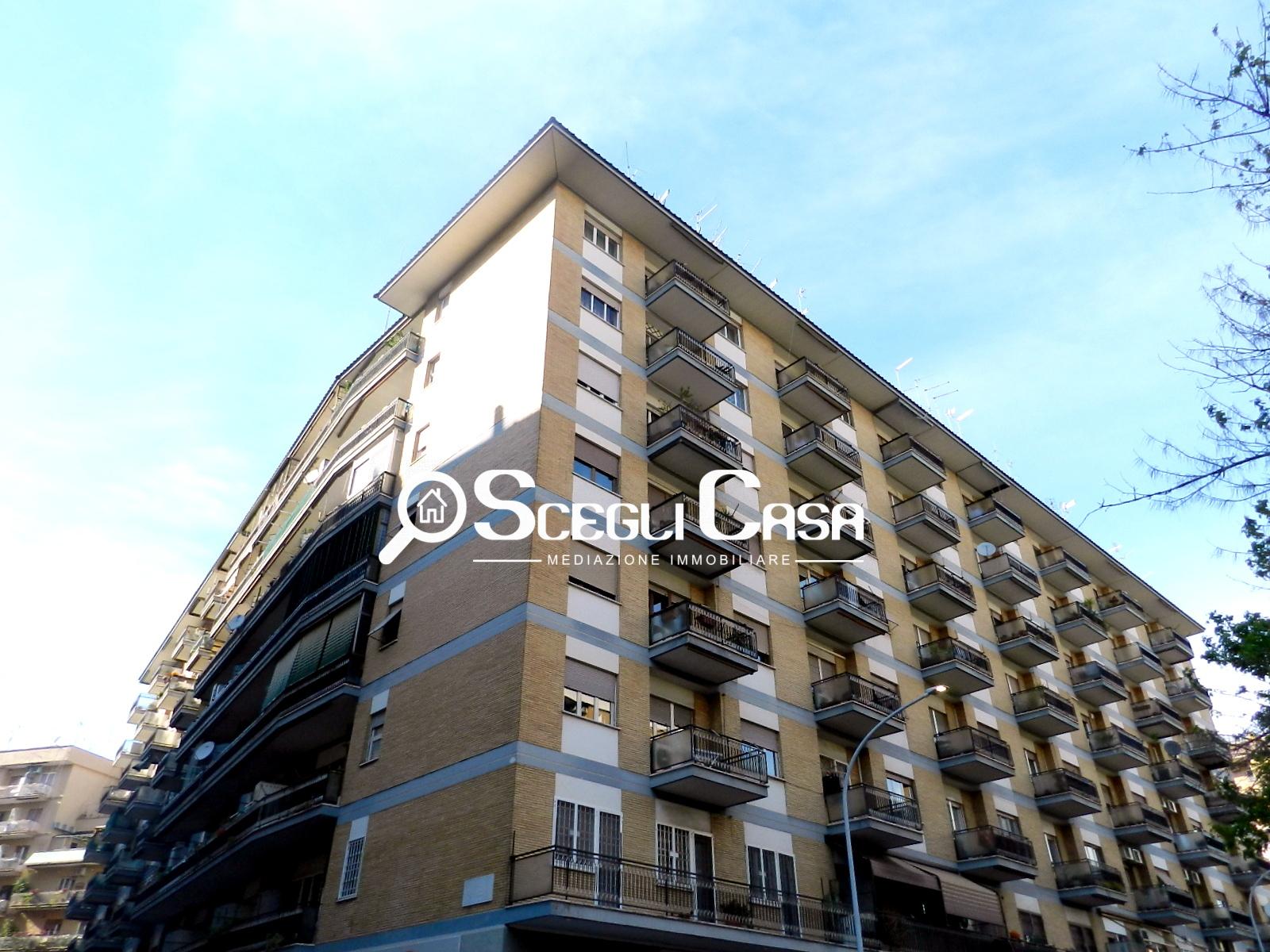 Negozio / Locale in affitto a Roma, 9999 locali, zona Zona: 13 . Tuscolano, Appio Claudio, Villa Lais, Quadraro, prezzo € 650 | CambioCasa.it
