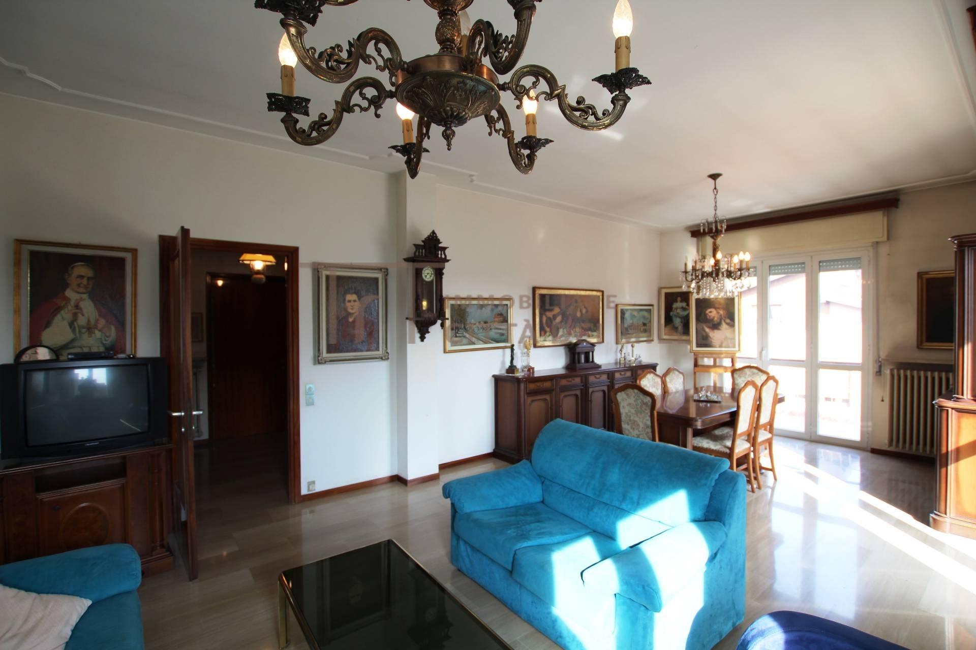 vendita appartamento bergamo san colombano  230000 euro  4 locali  122 mq
