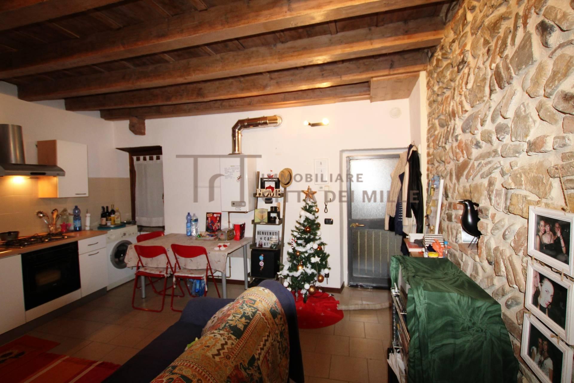Bilocale vendita bergamo via borgo santa caterina for Planimetrie dell appartamento del garage di una camera da letto