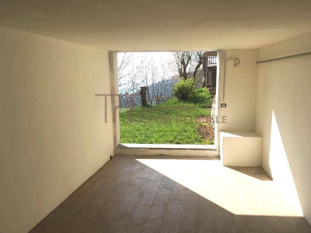 Appartamento in vendita a Alzano Lombardo, 1 locali, zona Località: MontediNese, prezzo € 88.000 | PortaleAgenzieImmobiliari.it