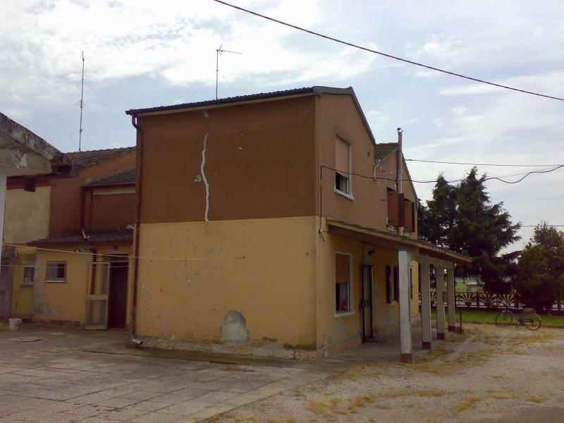 Casa villa villetta in vendita a berra cod 664 for 4 piani casa 3 bagni
