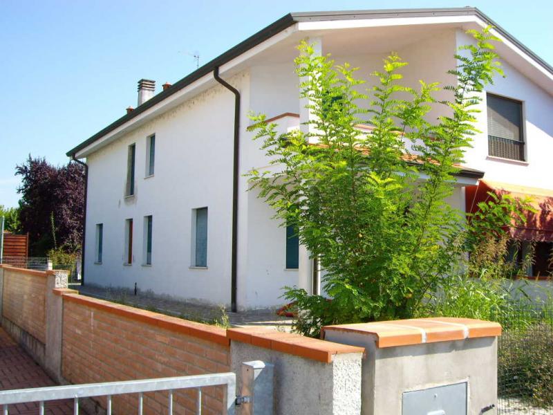 Soluzione Indipendente in vendita a Voghiera, 6 locali, zona Zona: Ducentola, prezzo € 170.000 | Cambio Casa.it