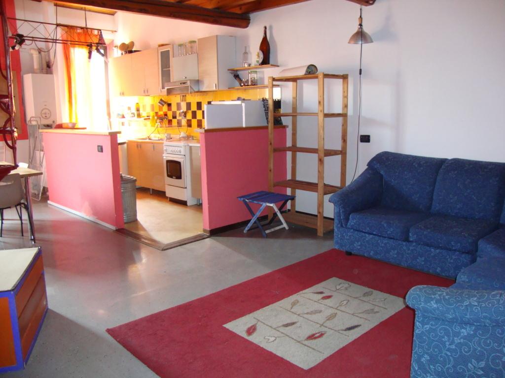 Appartamento in affitto a Ferrara, 3 locali, zona Località: Centrostorico, prezzo € 500 | Cambio Casa.it