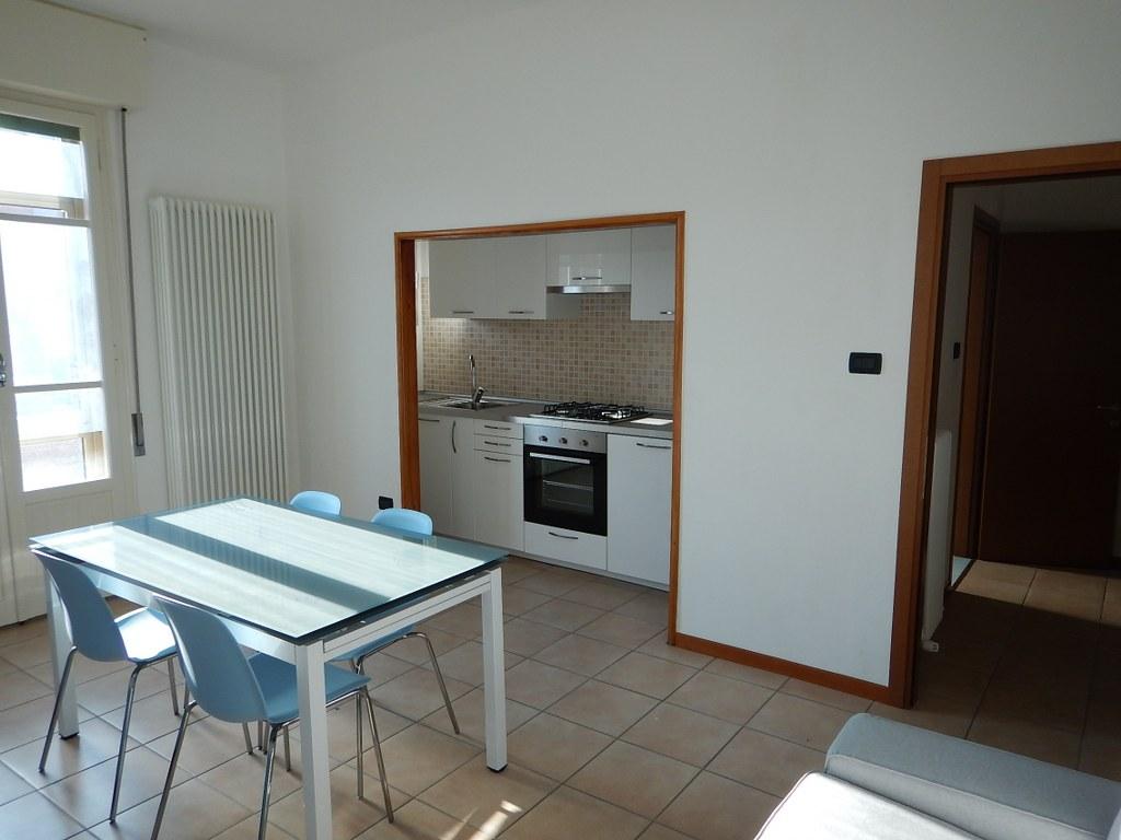 Appartamento in vendita a Ferrara, 4 locali, zona Località: FuoriMura-ZonaSud, prezzo € 89.000 | Cambio Casa.it