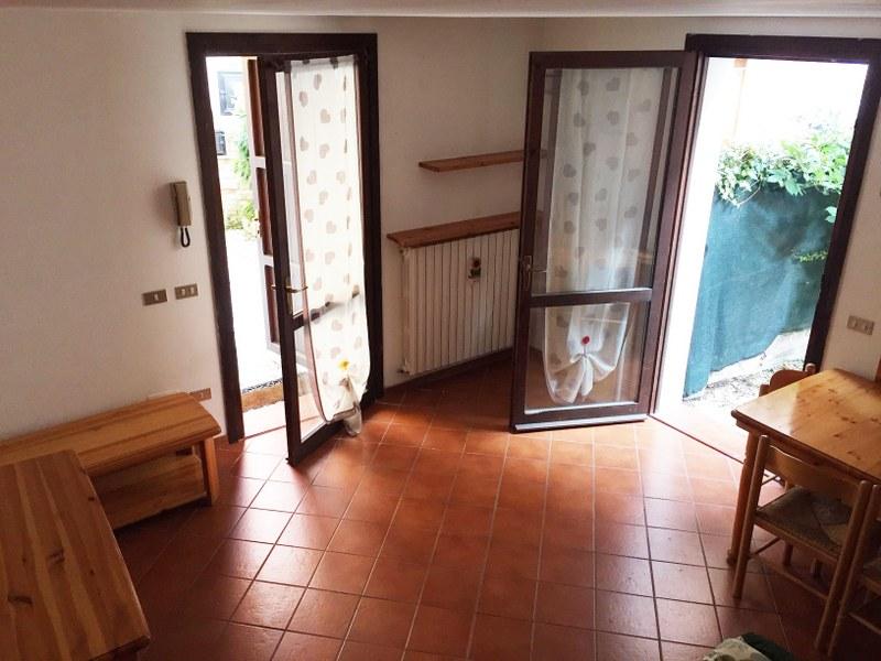 Soluzione Indipendente in affitto a Ferrara, 3 locali, zona Località: Centrostorico, prezzo € 500 | Cambio Casa.it