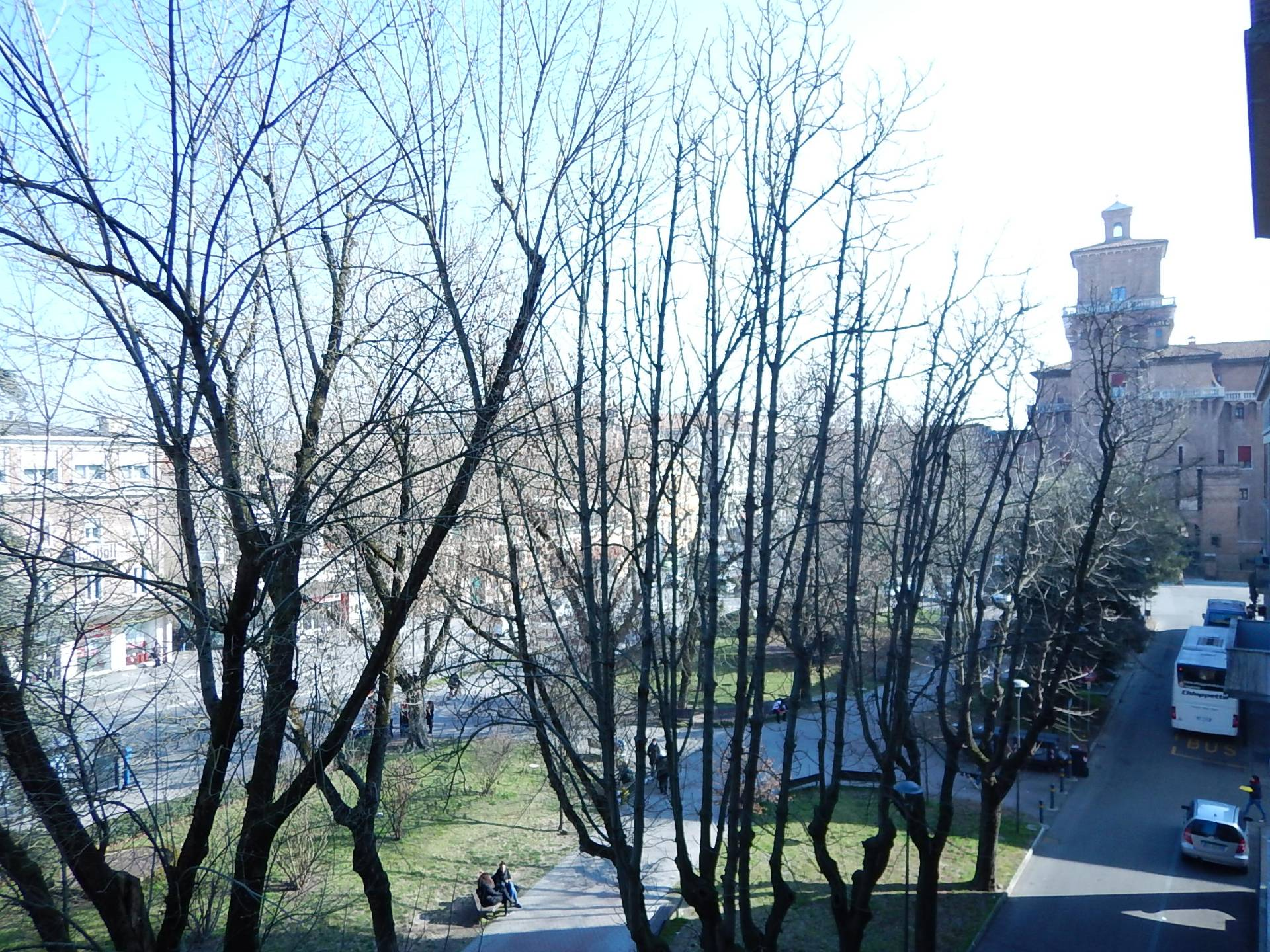 Bilocale Ferrara Viale Cavour 4