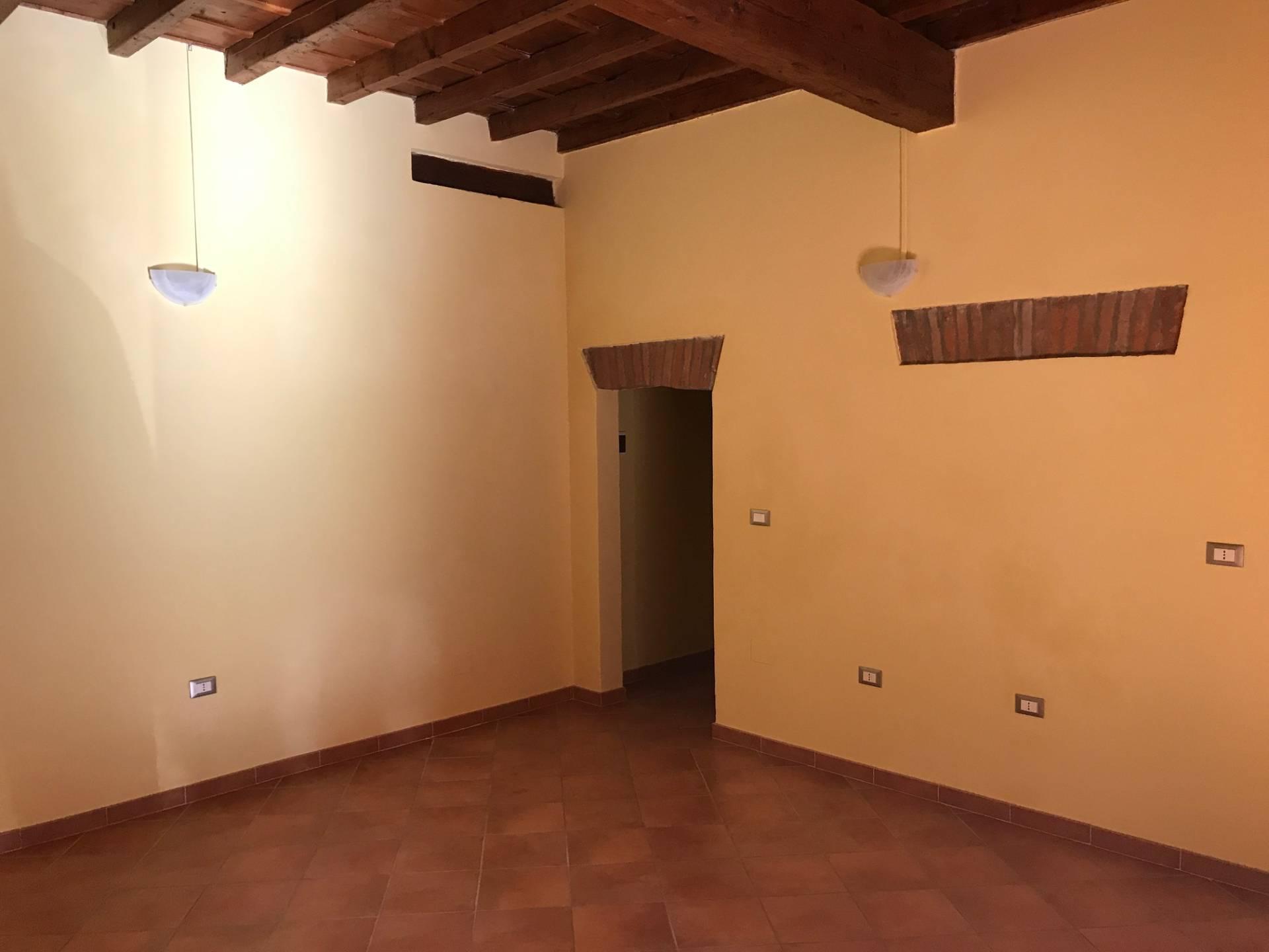 Negozio / Locale in affitto a Ferrara, 9999 locali, zona Località: Centrostorico, prezzo € 500 | Cambio Casa.it