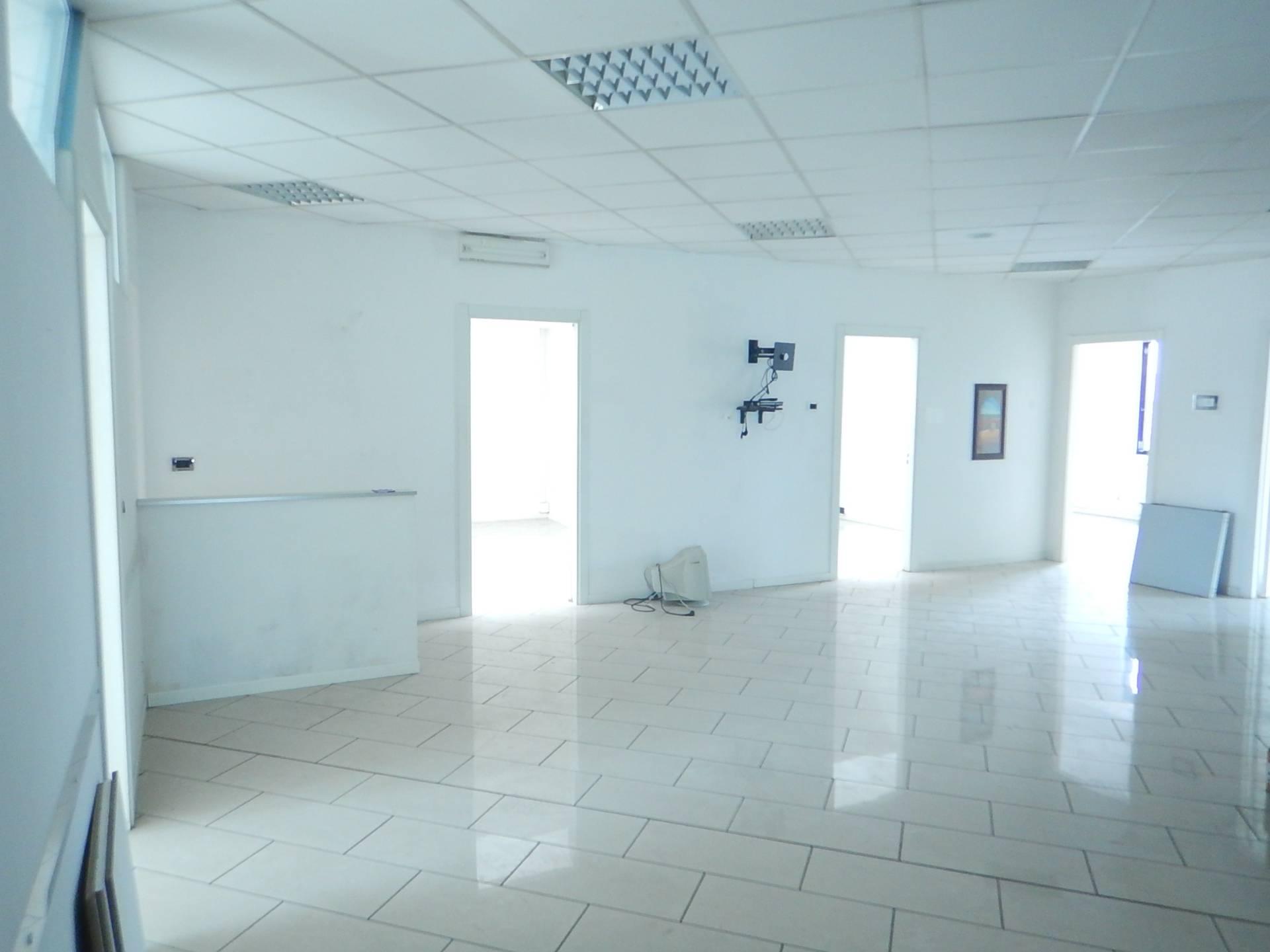 Ufficio in affitto a ferrara cod 2384 for Affitto ufficio