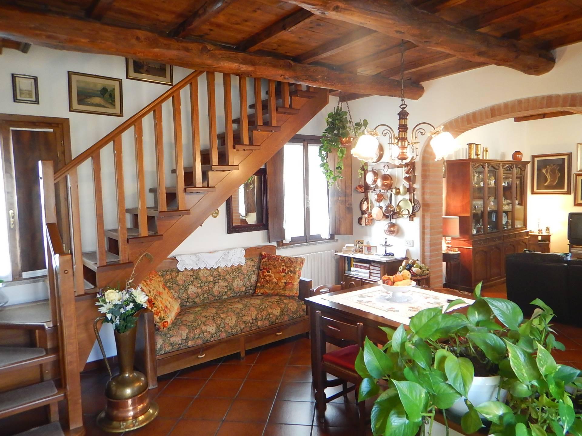 Foto 1 di Casa indipendente via  lorenzini, Ostellato