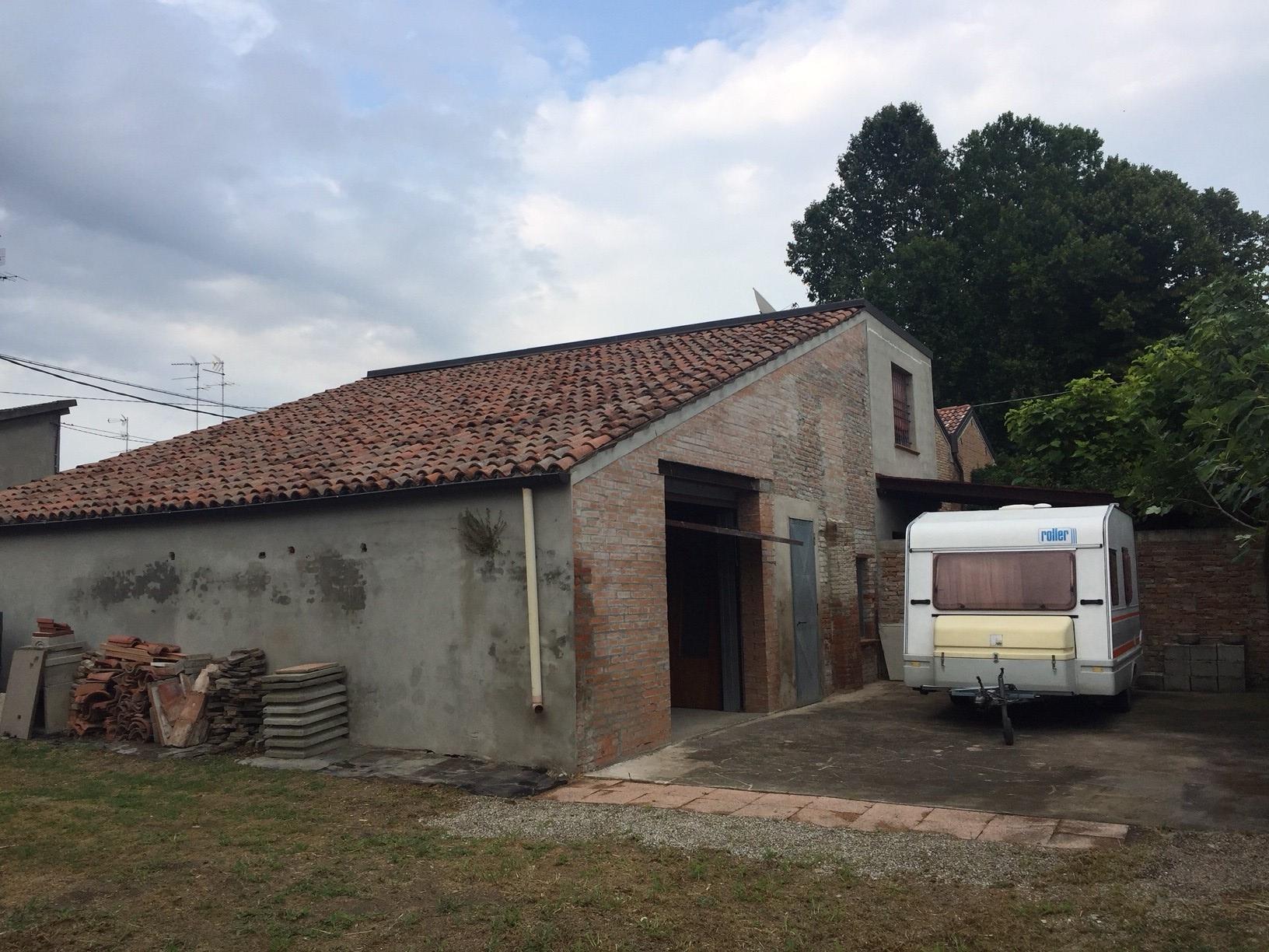 vendita casa indipendente ferrara fuori mura - zona est  90000 euro  3 locali  125 mq