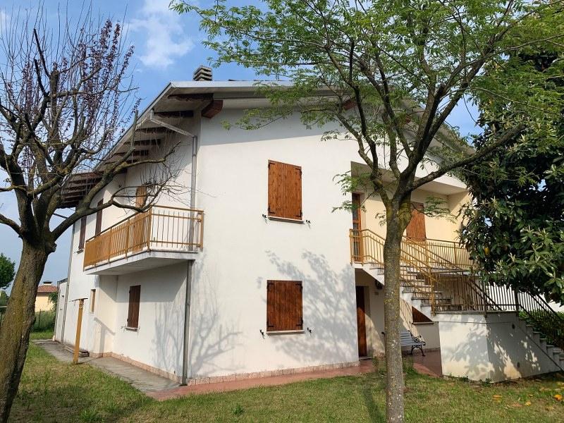 Foto 1 di Casa indipendente lamarmora, Sant'agostino
