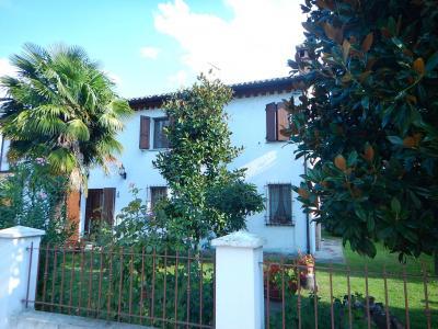 Casa / Villa / Villetta in Vendita a Ostellato