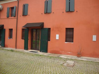 Casa / Villa / Villetta in Affitto a Masi Torello