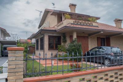 Casa / Villa / Villetta in Vendita a Codigoro