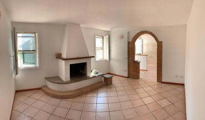 Casa / Villa / Villetta in Vendita a Polesella