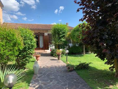 Casa / Villa / Villetta in Vendita a Argenta