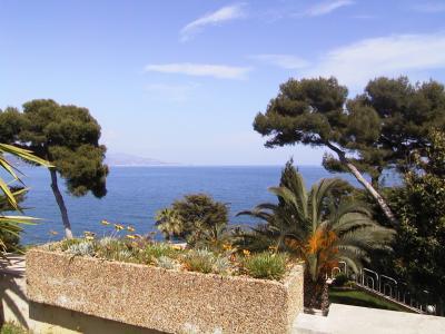 Villa in Vendita a Roquebrune-Cap-Martin