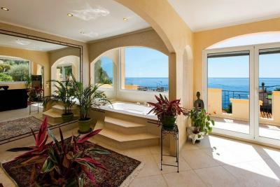 Villa in Vendita a Èze