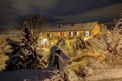 Casale in Vendita a Barolo