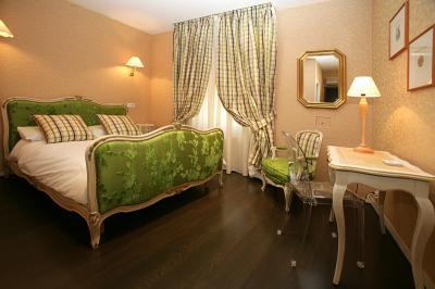 Hotel in Vendita a Menton