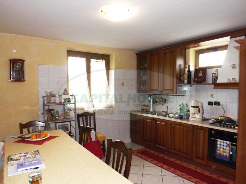 Villa in vendita a Aiello del Sabato, 5 locali, prezzo € 180.000 | Cambio Casa.it
