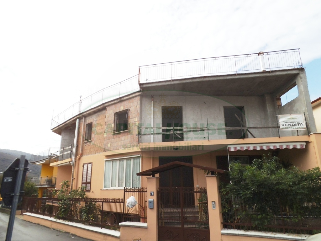 Appartamento in vendita a Baiano, 4 locali, prezzo € 90.000 | PortaleAgenzieImmobiliari.it