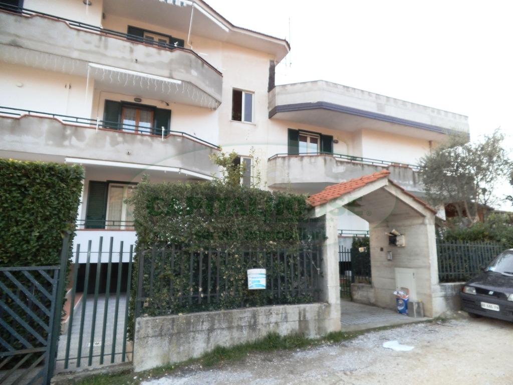 Appartamento in vendita a Avella, 4 locali, prezzo € 165.000   CambioCasa.it