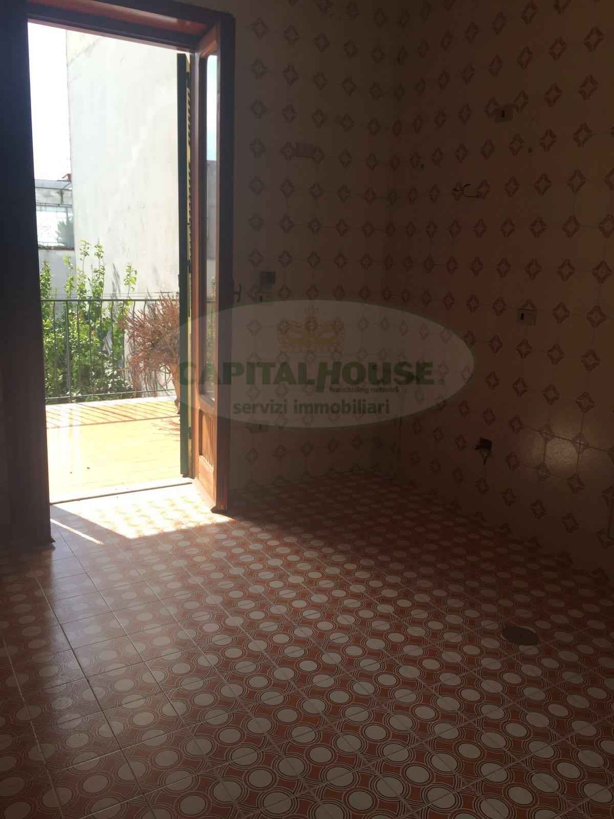 Appartamento in affitto a Afragola, 5 locali, zona Località: ZonaSanMichele, prezzo € 500 | CambioCasa.it