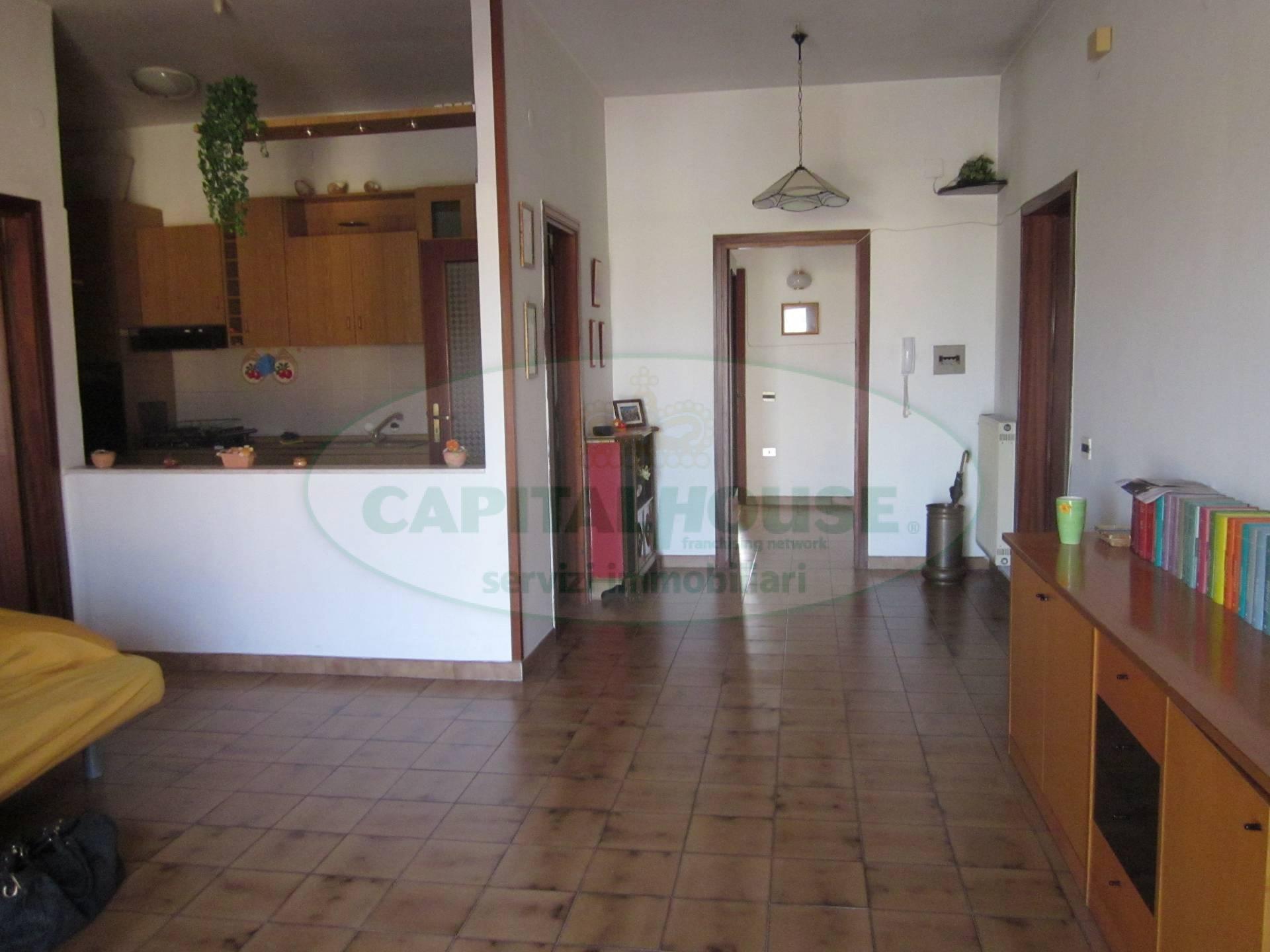 Appartamento in affitto a San Nicola la Strada, 3 locali, zona Località: LargoRotonda, prezzo € 400 | CambioCasa.it