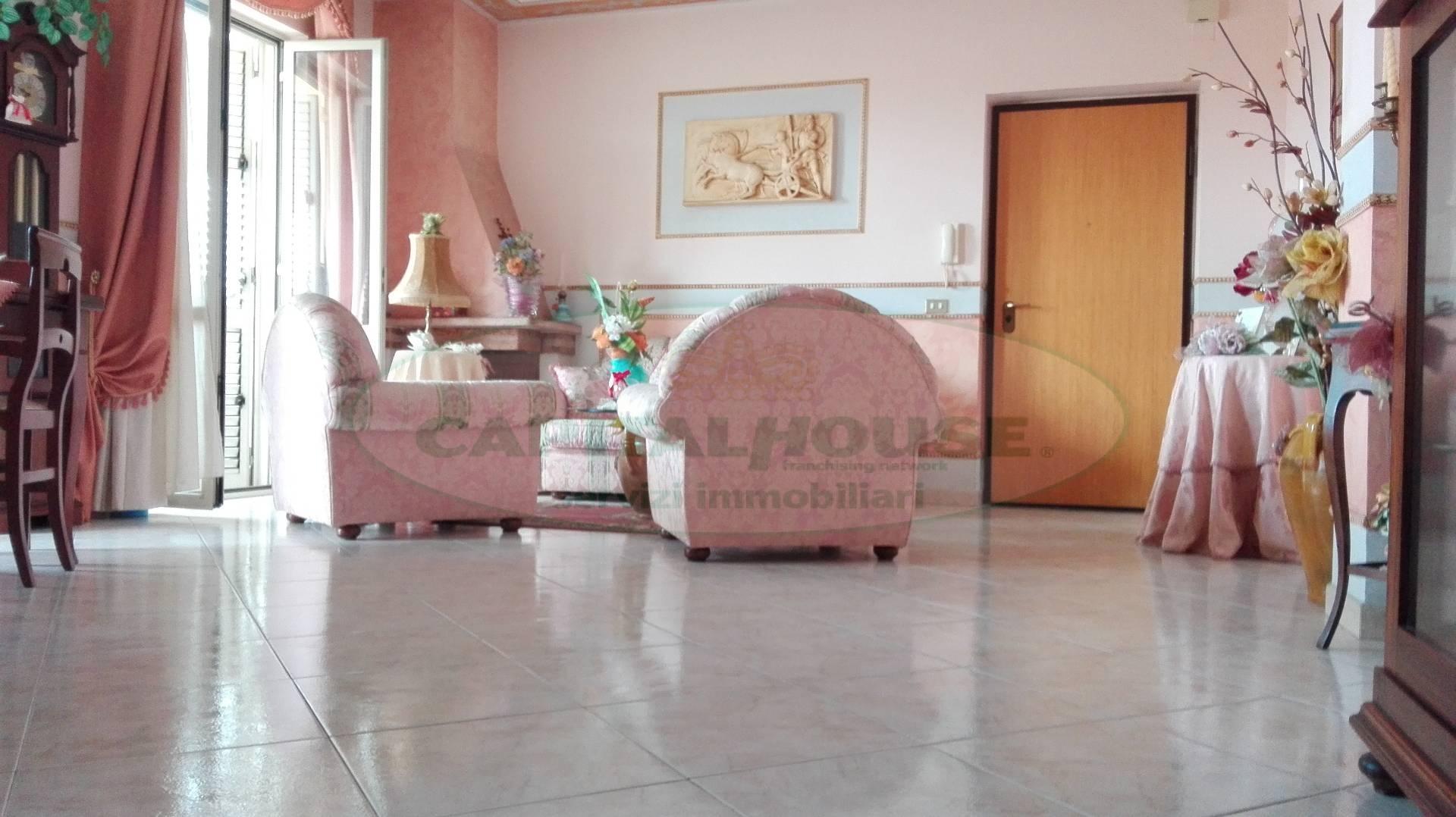 Appartamento in vendita a Macerata Campania, 3 locali, prezzo € 98.000 | Cambio Casa.it