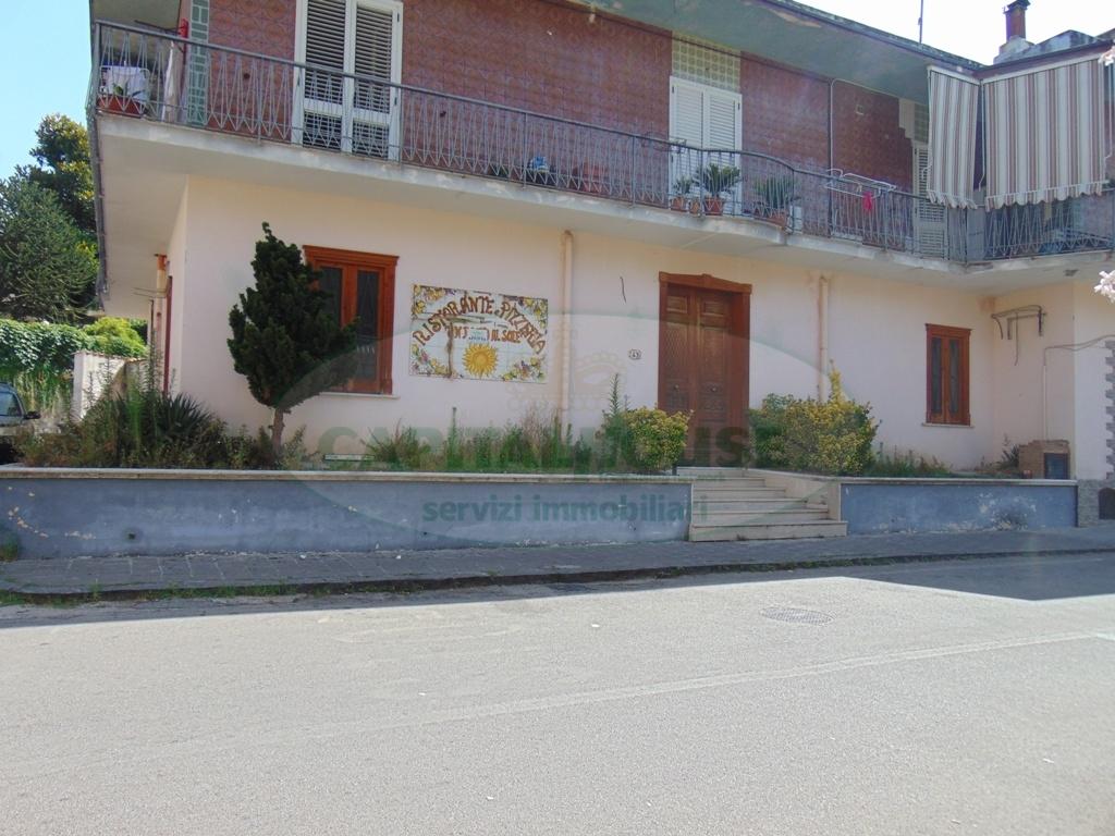 Fondo commerciale in 2 a Mugnano del Cardinale (AV)