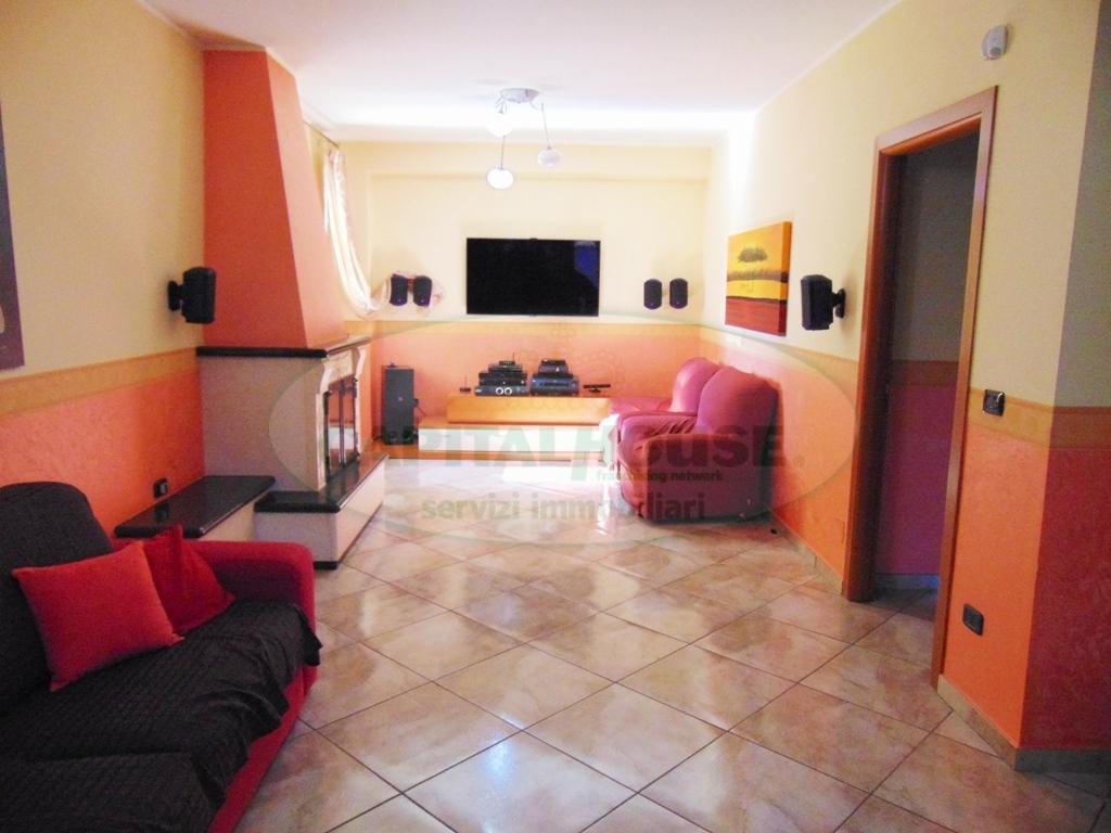 Appartamento in vendita a Avella, 4 locali, prezzo € 168.000   CambioCasa.it