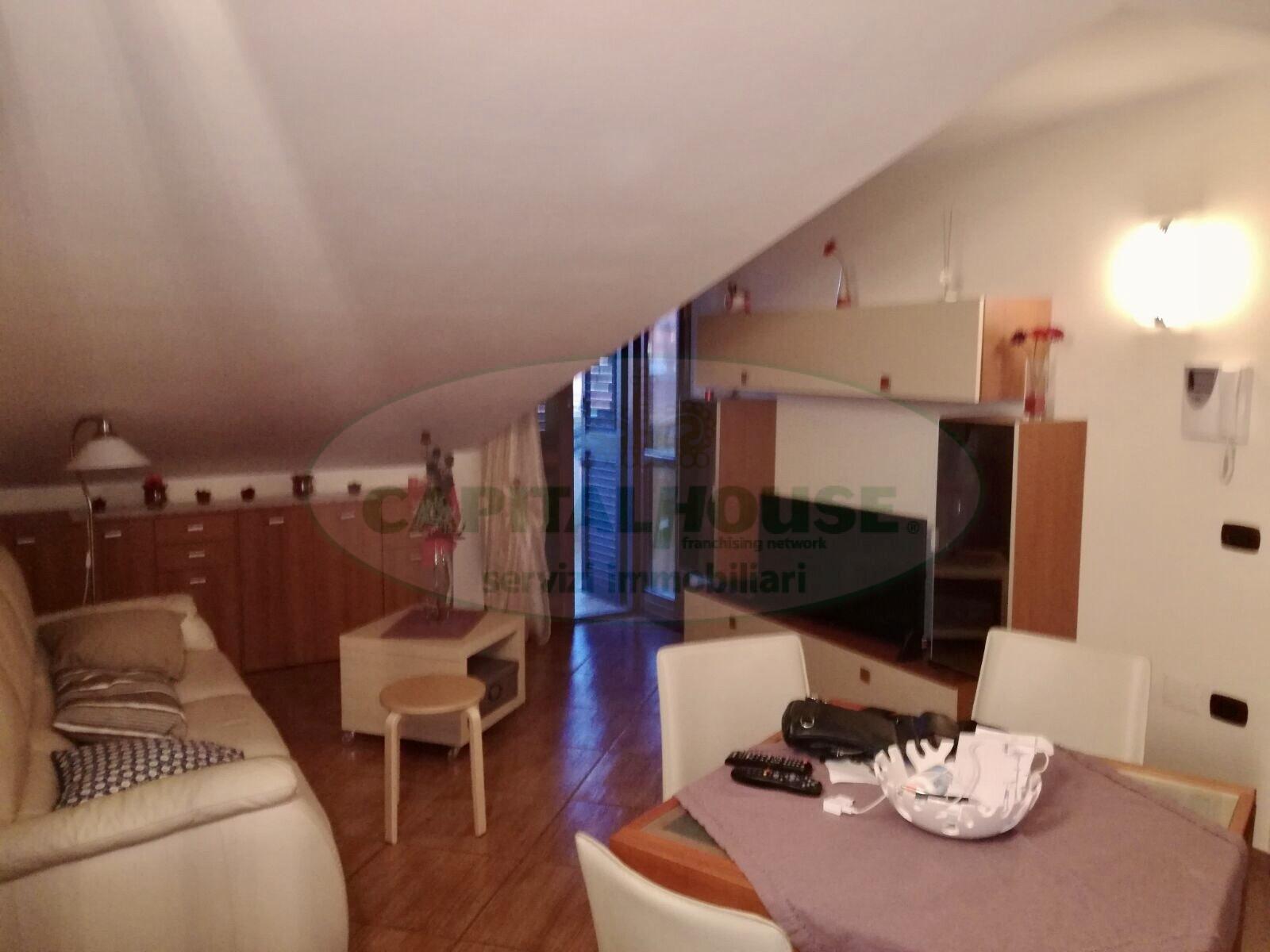 Attico / Mansarda in affitto a San Nicola la Strada, 3 locali, zona Località: L.DaVinci, prezzo € 450 | Cambio Casa.it